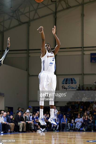 Justin Holiday of the Santa Cruz Warriors shoots a three pointer against the Los Angeles Defenders on Nov 14 2014 at Kaiser Permanente Arena in Santa...