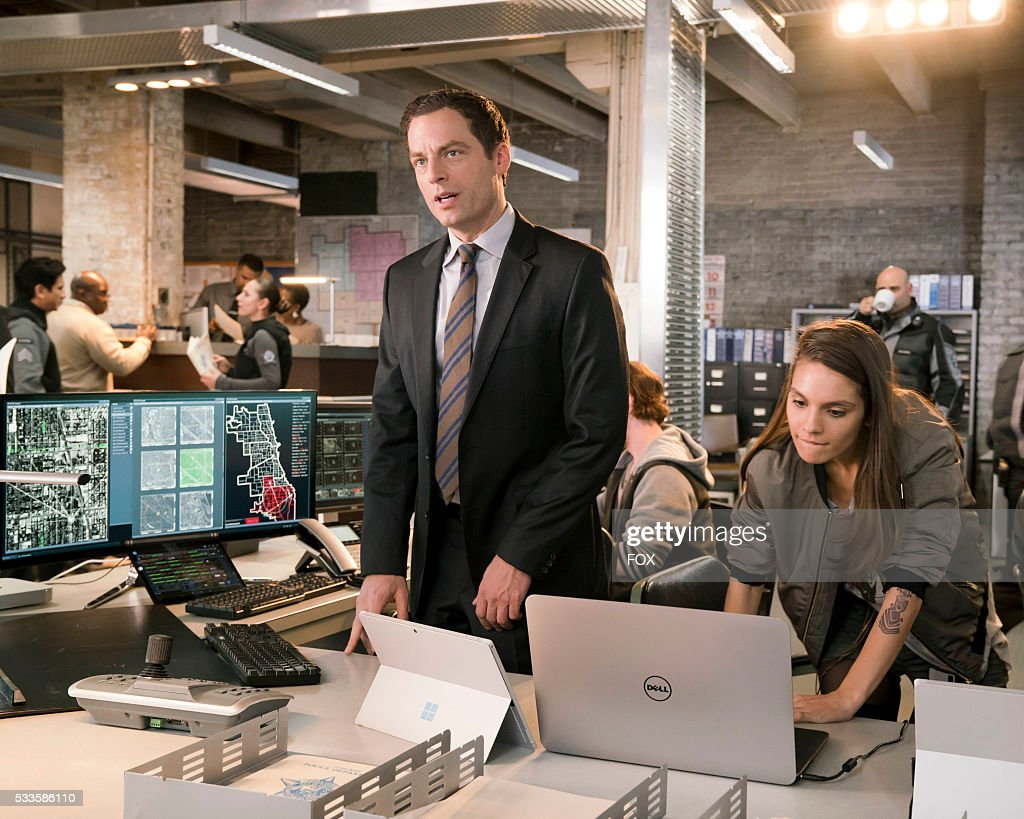 Justin Kirk and Caitlin Stacey in APB coming soon to FOX.