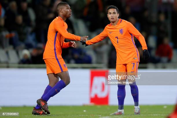 Justin Kluivert of Holland U21 celebrates 80 with Denzel Dumfries of Holland U21 during the match between Holland U21 v Andorra U21 at the De...