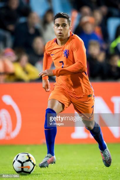 Justin Kluivert of Jong Oranje during the EURO U21 2017 qualifying match between Netherlands U21 and Latvia U21 at the Vijverberg stadium on October...