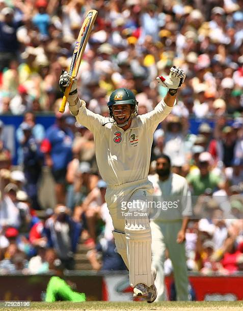 Justin Langer celebrates after Australian team mate Matthew Hayden hit the winning run to beat England on day four of the fifth Ashes Test Match...