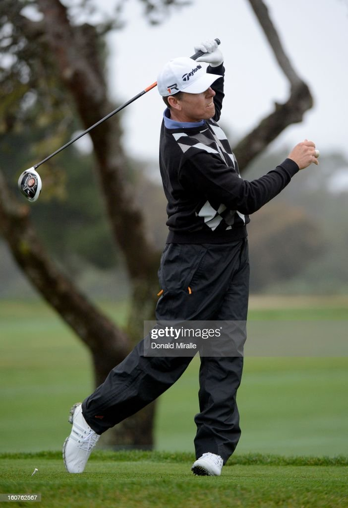 Justin Leonard hits off the tee box during the Third Round at the Farmers Insurance Open at Torrey Pines South Golf Course on January 27, 2013 in La Jolla, California.