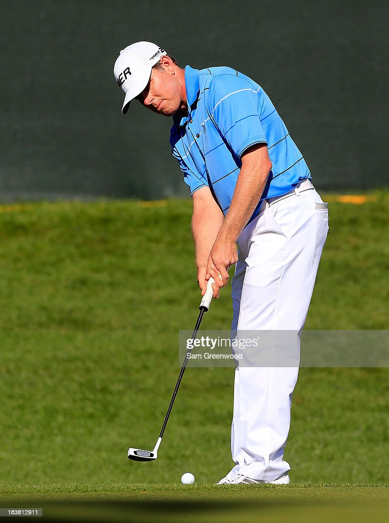 <a gi-track='captionPersonalityLinkClicked' href=/galleries/search?phrase=Justin+Leonard&family=editorial&specificpeople=194762 ng-click='$event.stopPropagation()'>Justin Leonard</a> plays a shot on the 18th hole during the third round of the Tampa Bay Championship at the Innisbrook Resort and Golf Club on March 16, 2013 in Palm Harbor, Florida.