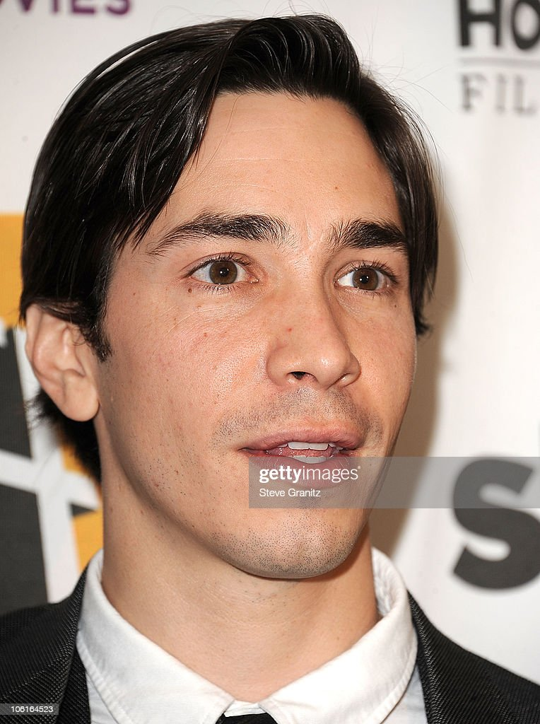 <a gi-track='captionPersonalityLinkClicked' href=/galleries/search?phrase=Justin+Long&family=editorial&specificpeople=240305 ng-click='$event.stopPropagation()'>Justin Long</a> attends the 14th Annual Hollywood Awards Gala Presented By Starz at The Beverly Hilton hotel on October 25, 2010 in Beverly Hills, California.