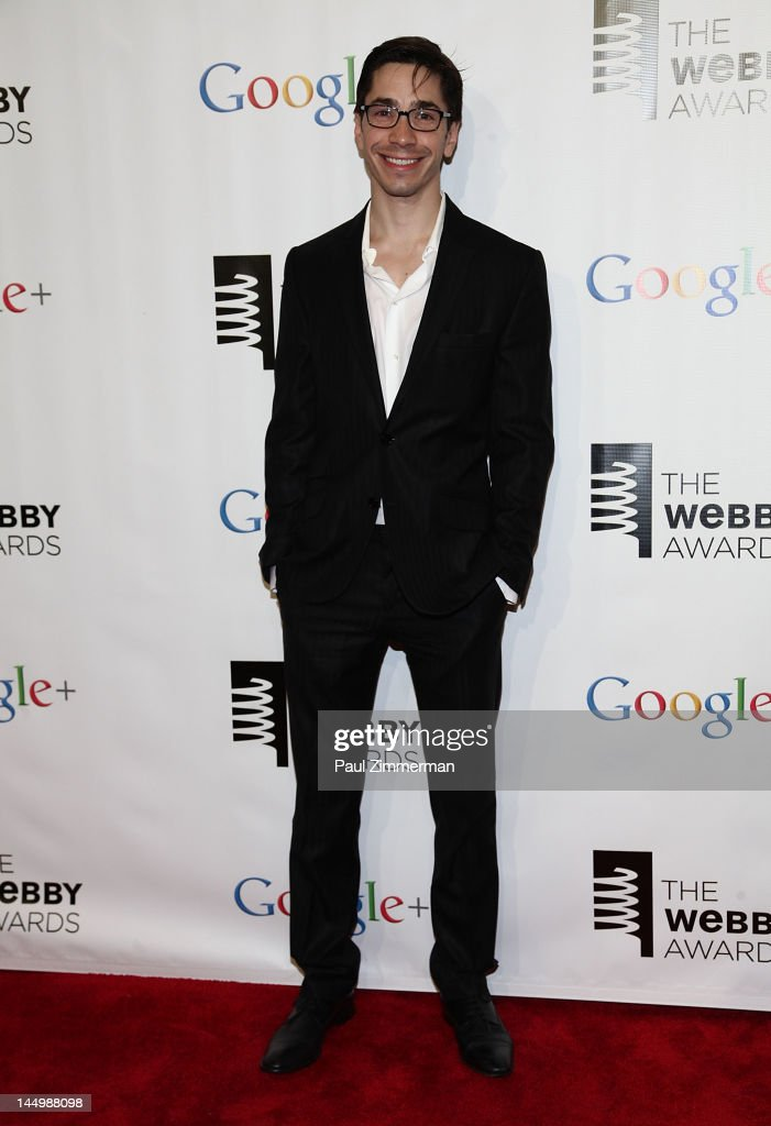 Justin Long attends the 16th Annual Webby Awards at Hammerstein Ballroom on May 21, 2012 in New York City.