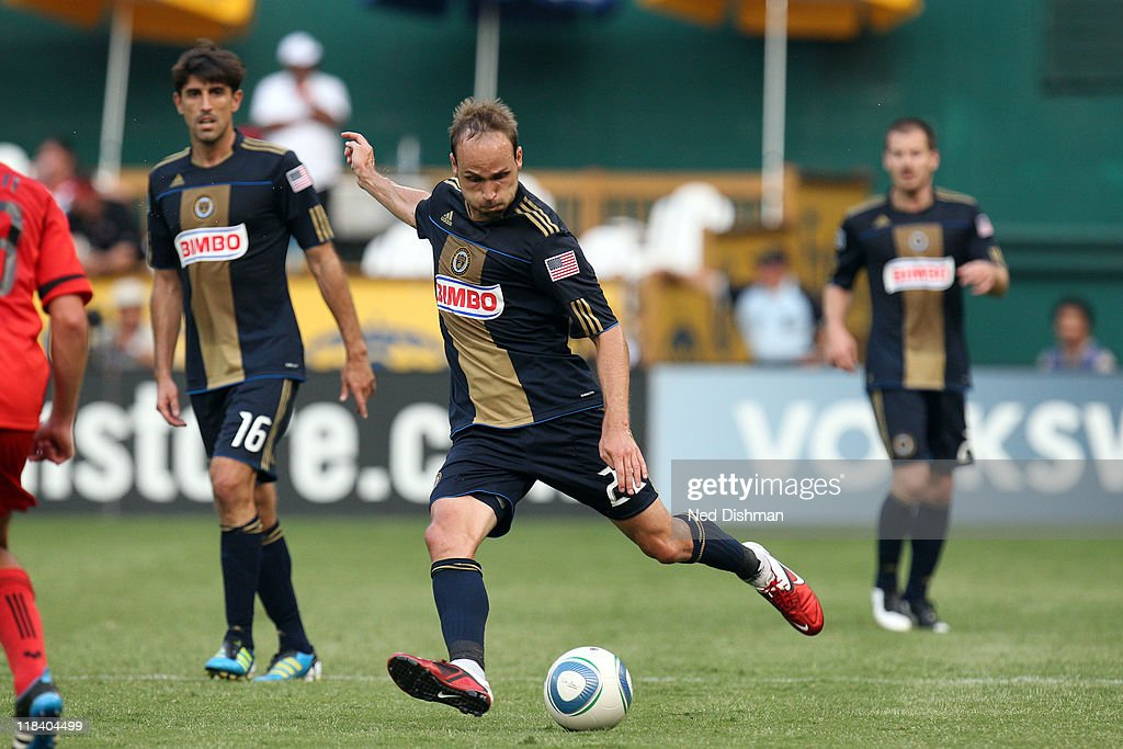 Justin Mapp of the Philadelphia Union controls the ball against DC United at RFK Stadium on July 2 2011 in Washington DC The game ended in a 22 tie