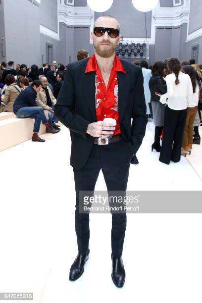 Justin O'shea attends the Chloe show as part of the Paris Fashion Week Womenswear Fall/Winter 2017/2018 on March 2 2017 in Paris France