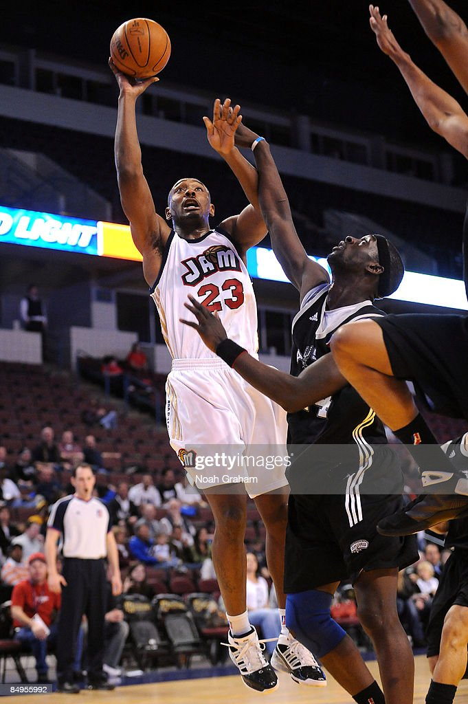 Justin Reed of the Bakersfield Jam puts up a shot against Pops MensahBonsu of the Austin Toros in a NBAD League Game at the Rabobank Arena on...