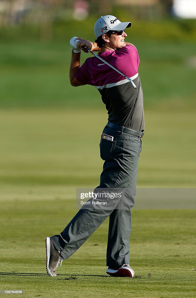 Justin Rose of England hits his approach shot on the 16th hole during the final round of the Abu Dhabi HSBC Golf Championship at Abu Dhabi Golf Club on January 20, 2013 in Abu Dhabi, United Arab Emirates.