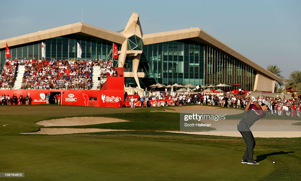 Justin Rose of England hits his approach shot on the 18th hole during the final round of the Abu Dhabi HSBC Golf Championship at Abu Dhabi Golf Club on January 20, 2013 in Abu Dhabi, United Arab Emirates.