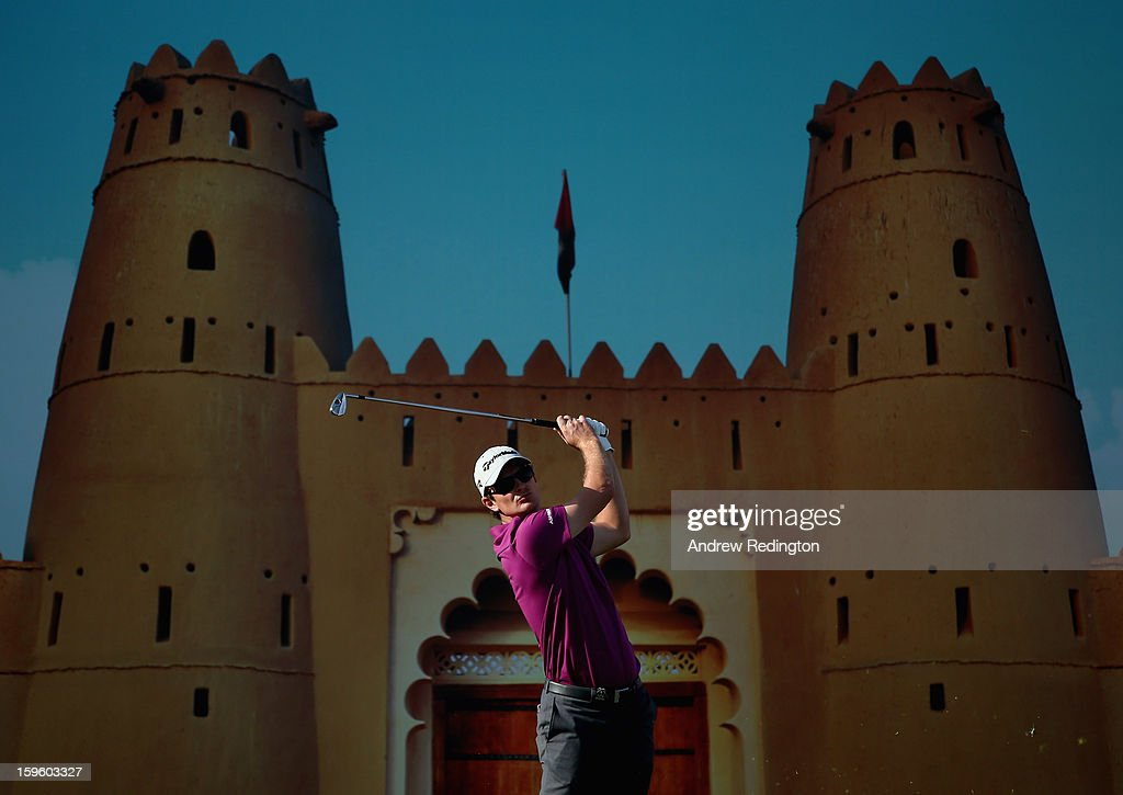 Justin Rose of England hits his tee-shot on the 15th hole during the first round of The Abu Dhabi HSBC Golf Championship at Abu Dhabi Golf Club on January 17, 2013 in Abu Dhabi, United Arab Emirates.