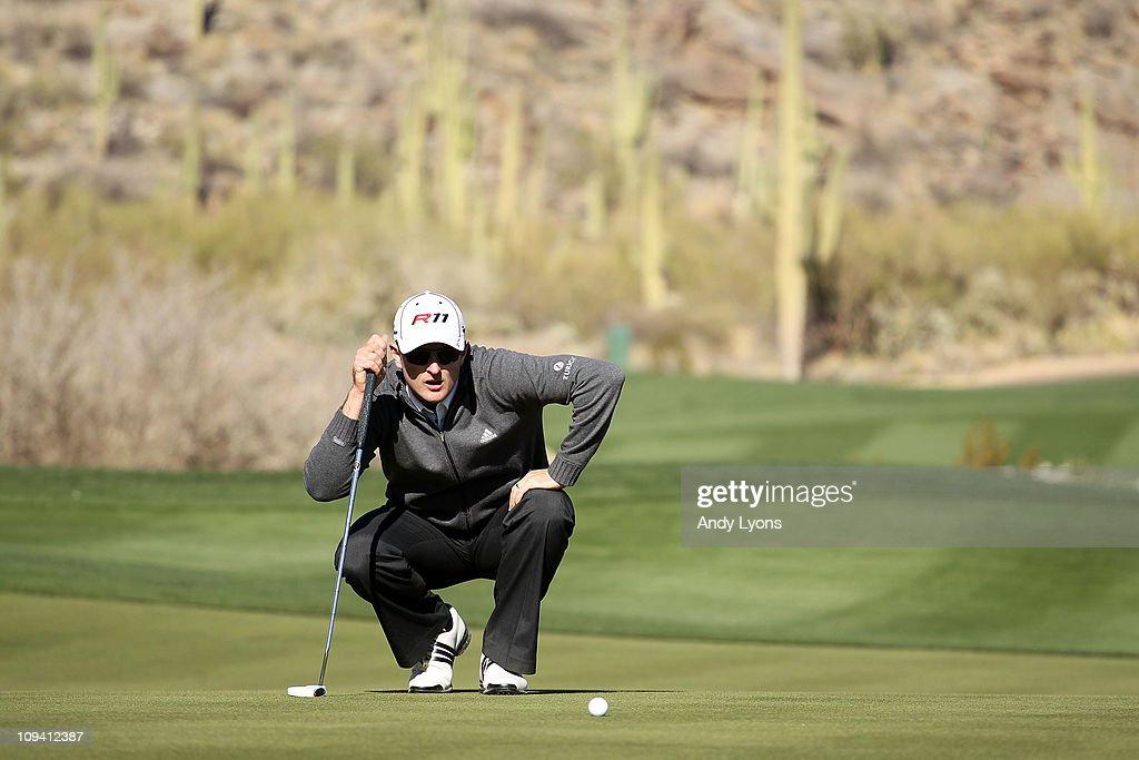 Justin Rose of England lines up his putt on the 16th hole during the second round of the Accenture Match Play Championship at the Ritz-Carlton Golf Club on February 24, 2011 in Marana, Arizona.