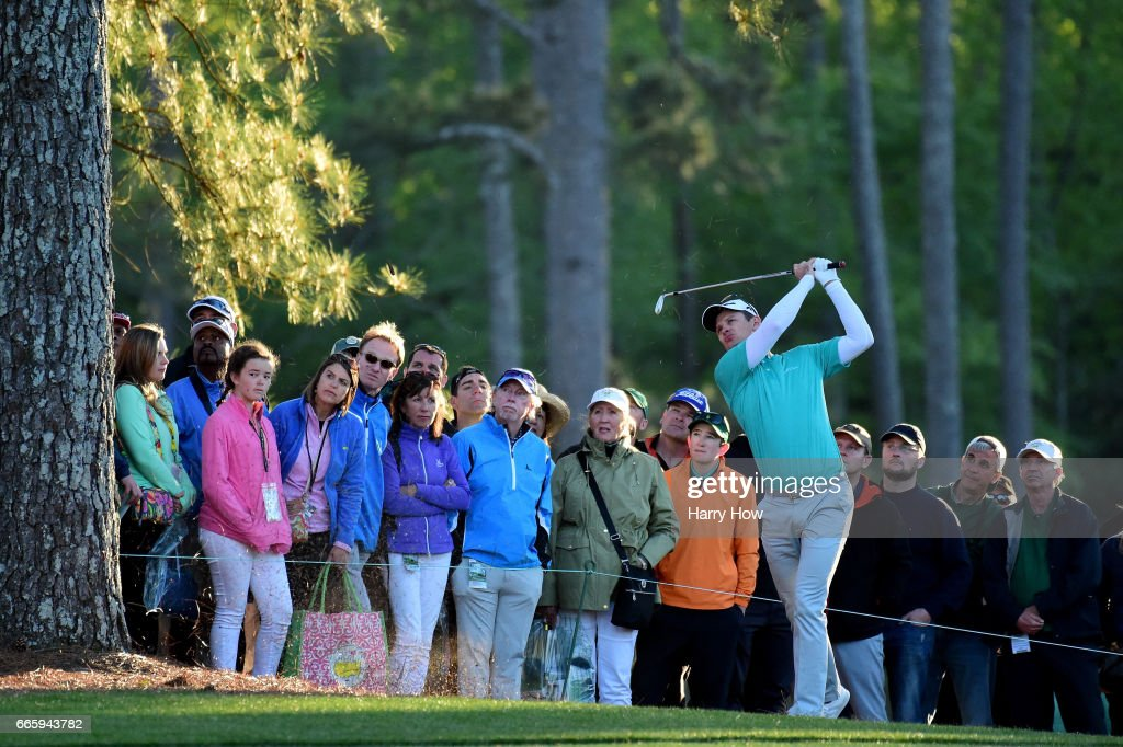 Justin Rose of England plays a shot from the rough on the 17th hole during the second round of the 2017 Masters Tournament at Augusta National Golf Club on April 7, 2017 in Augusta, Georgia.