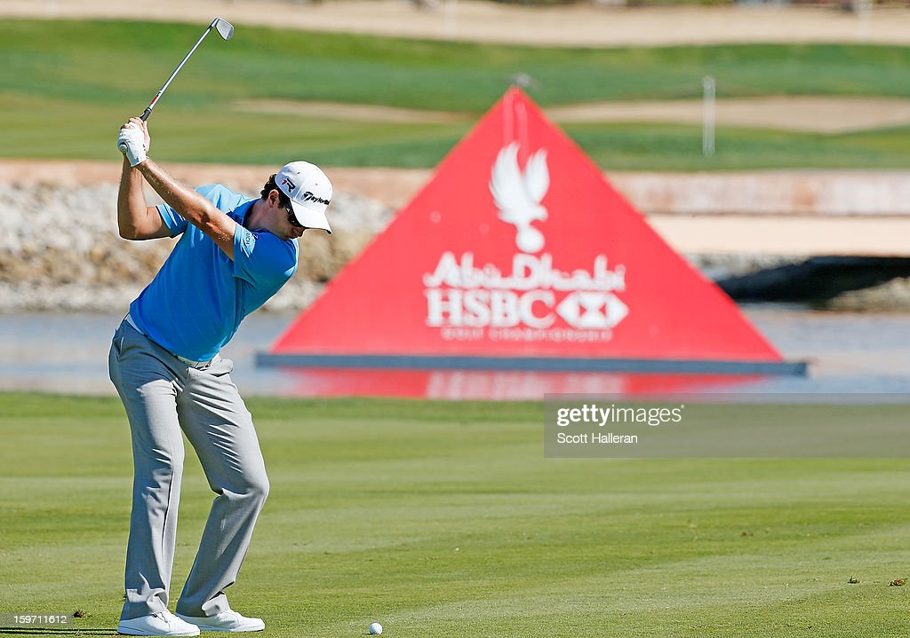 Justin Rose of England plays a shot on the sixth hole during the third round of the Abu Dhabi HSBC Golf Championship at Abu Dhabi Golf Club on January 19, 2013 in Abu Dhabi, United Arab Emirates.