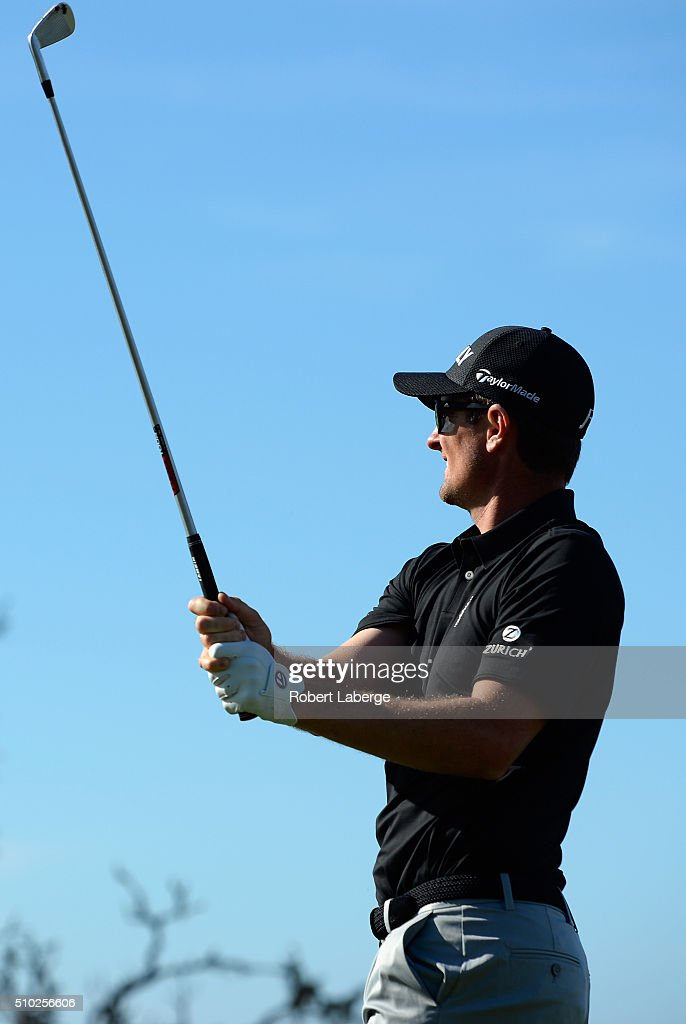 <a gi-track='captionPersonalityLinkClicked' href=/galleries/search?phrase=Justin+Rose&family=editorial&specificpeople=171559 ng-click='$event.stopPropagation()'>Justin Rose</a> of England plays his tee shot on the fifth hole during the final round of the AT&T Pebble Beach National Pro-Am at the Pebble Beach Golf Links on February 14, 2016 in Pebble Beach, California.