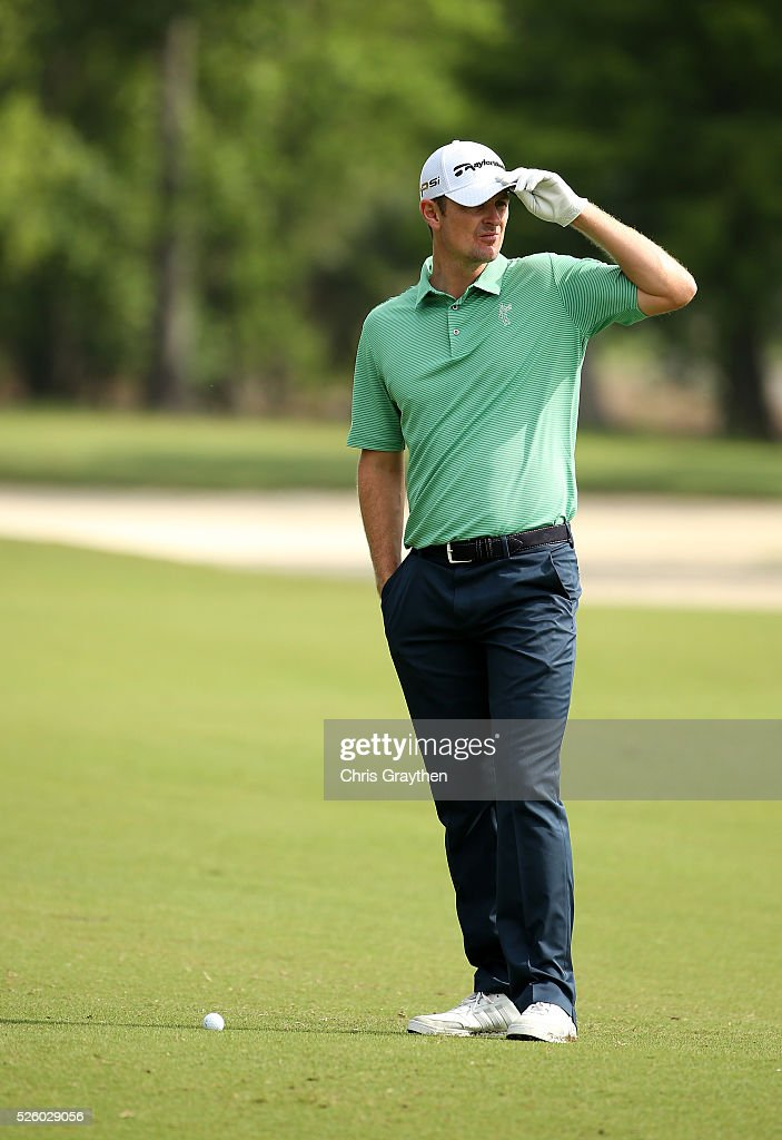 <a gi-track='captionPersonalityLinkClicked' href=/galleries/search?phrase=Justin+Rose&family=editorial&specificpeople=171559 ng-click='$event.stopPropagation()'>Justin Rose</a> of England prepares to take his shot on the 12th hole during a continuation of the first round of the Zurich Classic of New Orleans at TPC Louisiana on April 29, 2016 in Avondale, Louisiana.