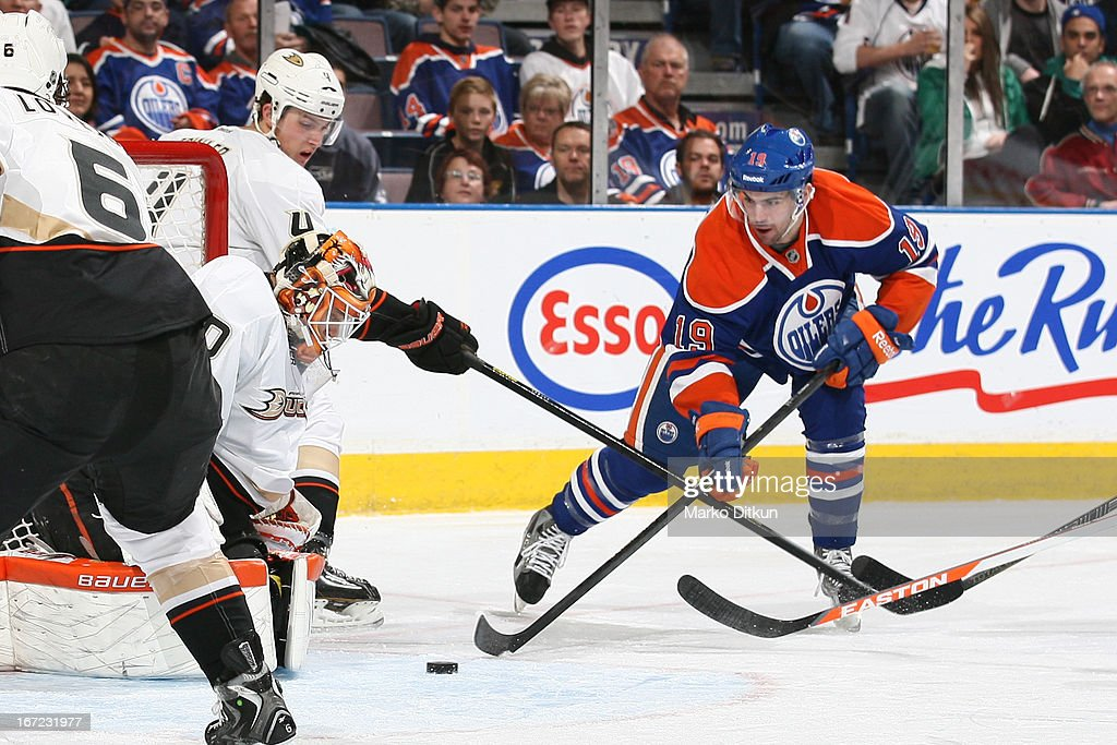 <a gi-track='captionPersonalityLinkClicked' href=/galleries/search?phrase=Justin+Schultz&family=editorial&specificpeople=5370958 ng-click='$event.stopPropagation()'>Justin Schultz</a> #19 of the Edmonton Oilers skates on the ice in a game against the Anaheim Ducks on April 22, 2013 at Rexall Place in Edmonton, Alberta, Canada.
