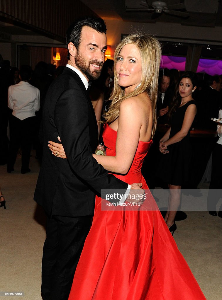 Justin Theroux and Jennifer Aniston attend the 2013 Vanity Fair Oscar Party hosted by Graydon Carter at Sunset Tower on February 24 2013 in West...