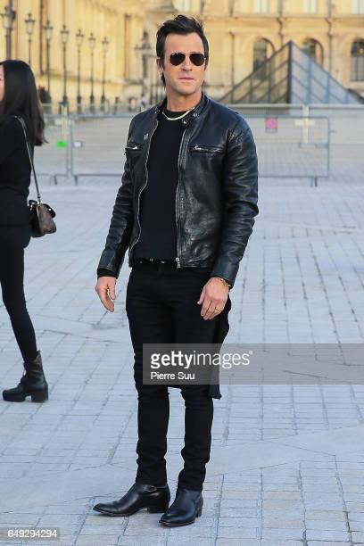 Justin Theroux arrives at the Louis Vuitton show as part of the Paris Fashion Week Womenswear Fall/Winter 2017/2018 on March 7 2017 in Paris France