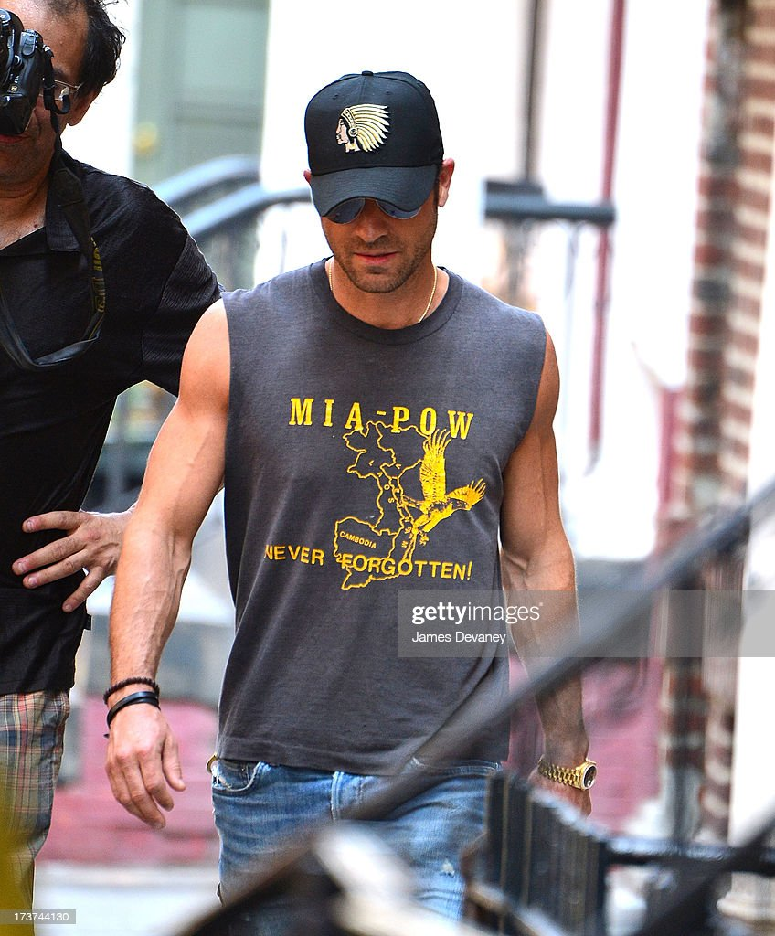 <a gi-track='captionPersonalityLinkClicked' href=/galleries/search?phrase=Justin+Theroux&family=editorial&specificpeople=240634 ng-click='$event.stopPropagation()'>Justin Theroux</a> seen visiting the set of 'Squirrels to the Nuts' on July 17, 2013 in New York City.