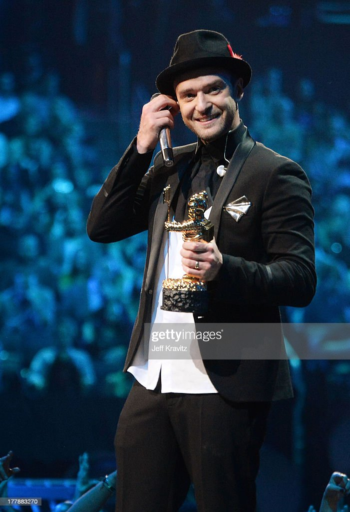 <a gi-track='captionPersonalityLinkClicked' href=/galleries/search?phrase=Justin+Timberlake&family=editorial&specificpeople=157482 ng-click='$event.stopPropagation()'>Justin Timberlake</a> accepts the Michael Jackson Video Vanguard Award at the 2013 MTV Video Music Awards at the Barclays Center on August 25, 2013 in the Brooklyn borough of New York City.
