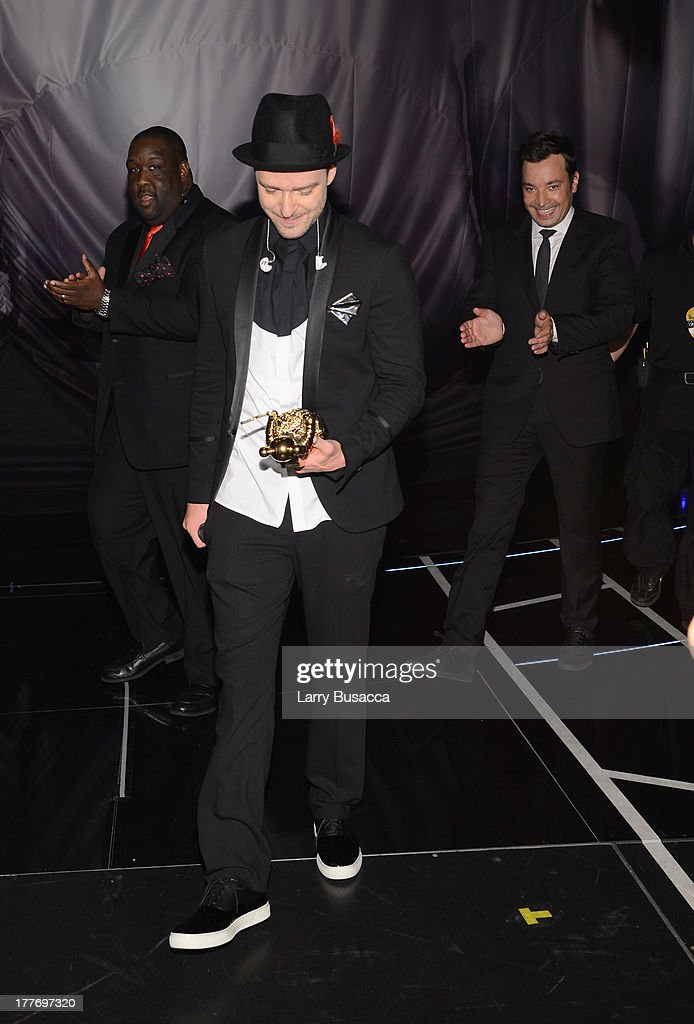 <a gi-track='captionPersonalityLinkClicked' href=/galleries/search?phrase=Justin+Timberlake&family=editorial&specificpeople=157482 ng-click='$event.stopPropagation()'>Justin Timberlake</a> and Jimmy Fallon attend the 2013 MTV Video Music Awards at the Barclays Center on August 25, 2013 in the Brooklyn borough of New York City.