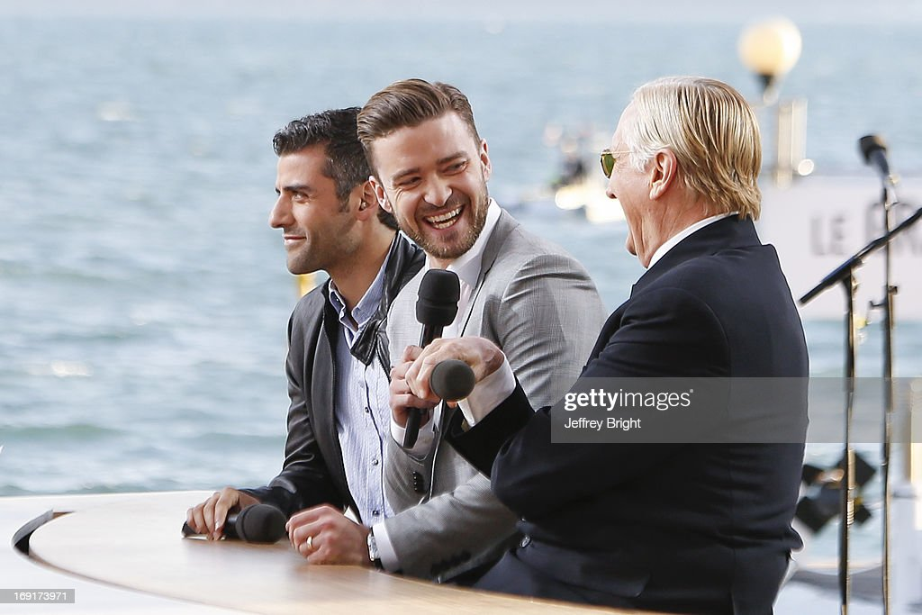 Justin Timberlake (C) attends the 'Le Grand Journal' TV show during the 66th Annual Cannes Film Festival on May 20, 2013 in Cannes, France.