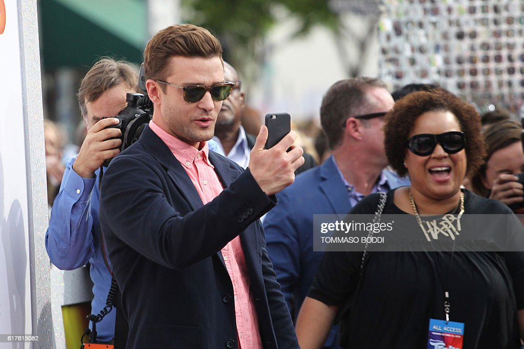 Justin Timberlake attends the premiere of 20th Century Fox's 'Trolls' in Westwood, California, on October 23, 2016. / AFP / TOMMASO
