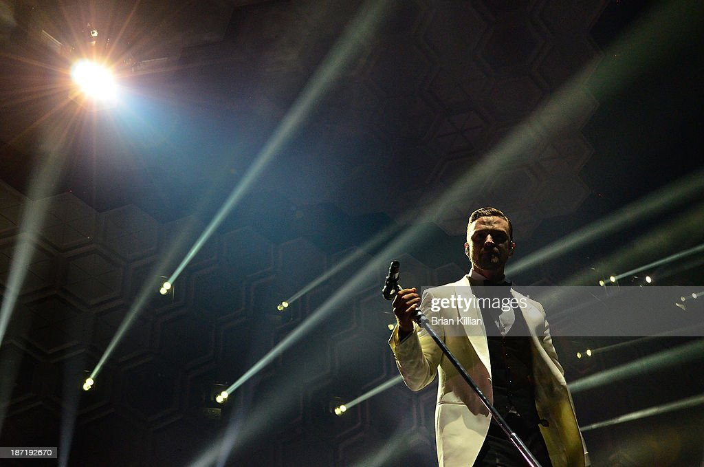 <a gi-track='captionPersonalityLinkClicked' href=/galleries/search?phrase=Justin+Timberlake&family=editorial&specificpeople=157482 ng-click='$event.stopPropagation()'>Justin Timberlake</a> performs at the Barclays Center on November 6, 2013 in New York City.
