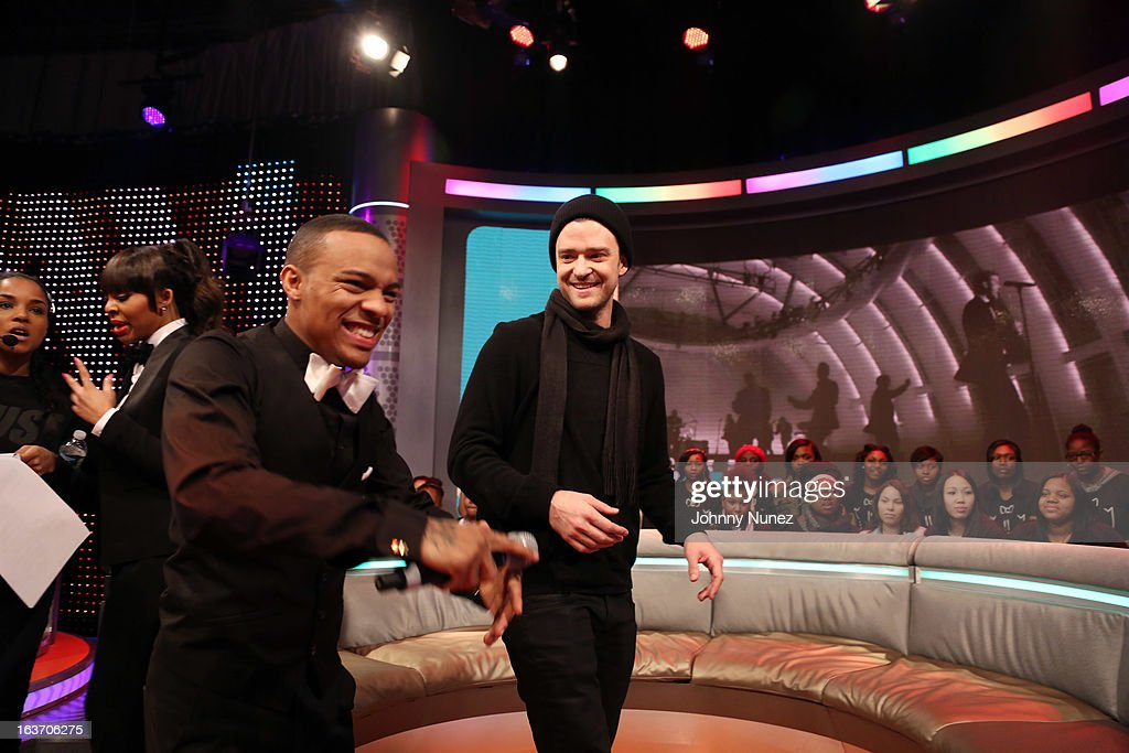 Justin Timberlake (R) visits BET's '106 & Park' with hosts Paigion (L) and Bow Wow (c) at BET Studios on March 14, 2013 in New York City.