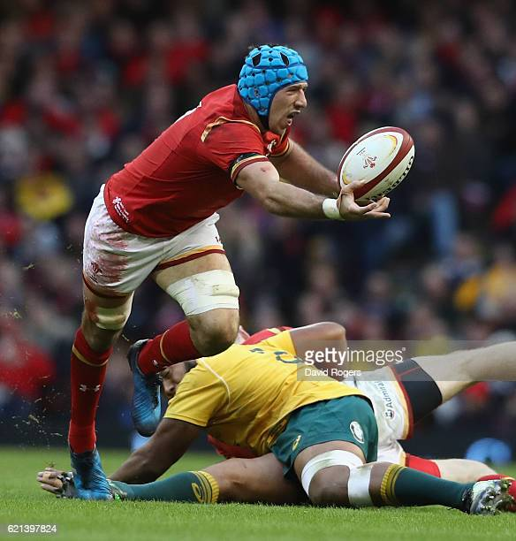 Justin Tipuric of Wales catches the ball during the International match between Wales and Australia at the Principality Stadium on November 5 2016 in...