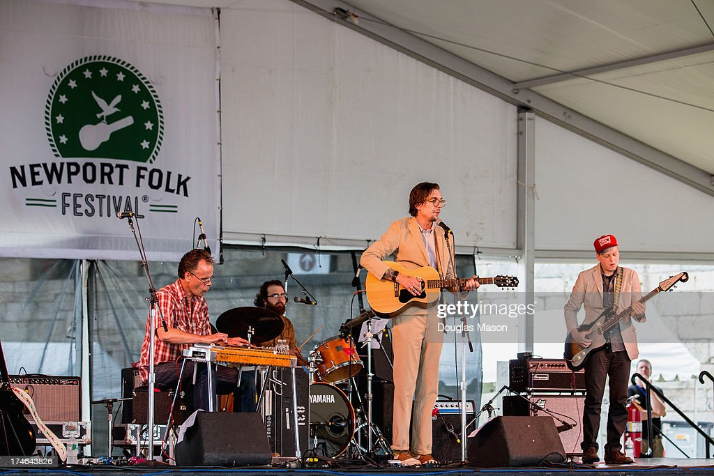 <a gi-track='captionPersonalityLinkClicked' href=/galleries/search?phrase=Justin+Townes+Earle&family=editorial&specificpeople=5577705 ng-click='$event.stopPropagation()'>Justin Townes Earle</a> performs during the 2013 Newport Folk Festival at Fort Adams State Park on July 27, 2013 in Newport, Rhode Island.