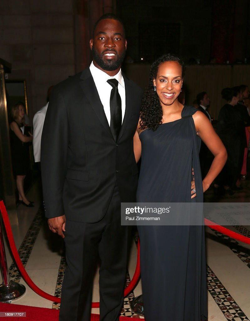 <a gi-track='captionPersonalityLinkClicked' href=/galleries/search?phrase=Justin+Tuck&family=editorial&specificpeople=748769 ng-click='$event.stopPropagation()'>Justin Tuck</a> (L) and Lauran Tuck attend the 14th Annual New Yorkers For Children Fall Gala at Cipriani 42nd Street on September 17, 2013 in New York City.