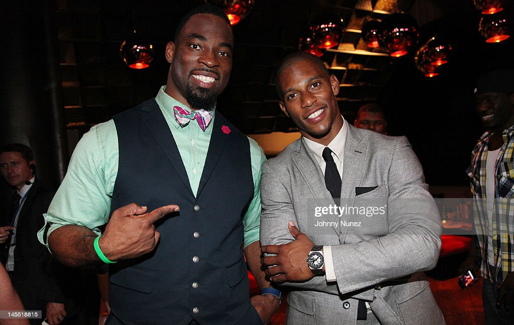 <a gi-track='captionPersonalityLinkClicked' href=/galleries/search?phrase=Justin+Tuck&family=editorial&specificpeople=748769 ng-click='$event.stopPropagation()'>Justin Tuck</a> and <a gi-track='captionPersonalityLinkClicked' href=/galleries/search?phrase=Victor+Cruz+-+American+Football+Player&family=editorial&specificpeople=8736842 ng-click='$event.stopPropagation()'>Victor Cruz</a> attend the NY Giants <a gi-track='captionPersonalityLinkClicked' href=/galleries/search?phrase=Justin+Tuck&family=editorial&specificpeople=748769 ng-click='$event.stopPropagation()'>Justin Tuck</a> 4th Annual celebrity billiards tournament at Slate NYC on May 31, 2012 in New York City.