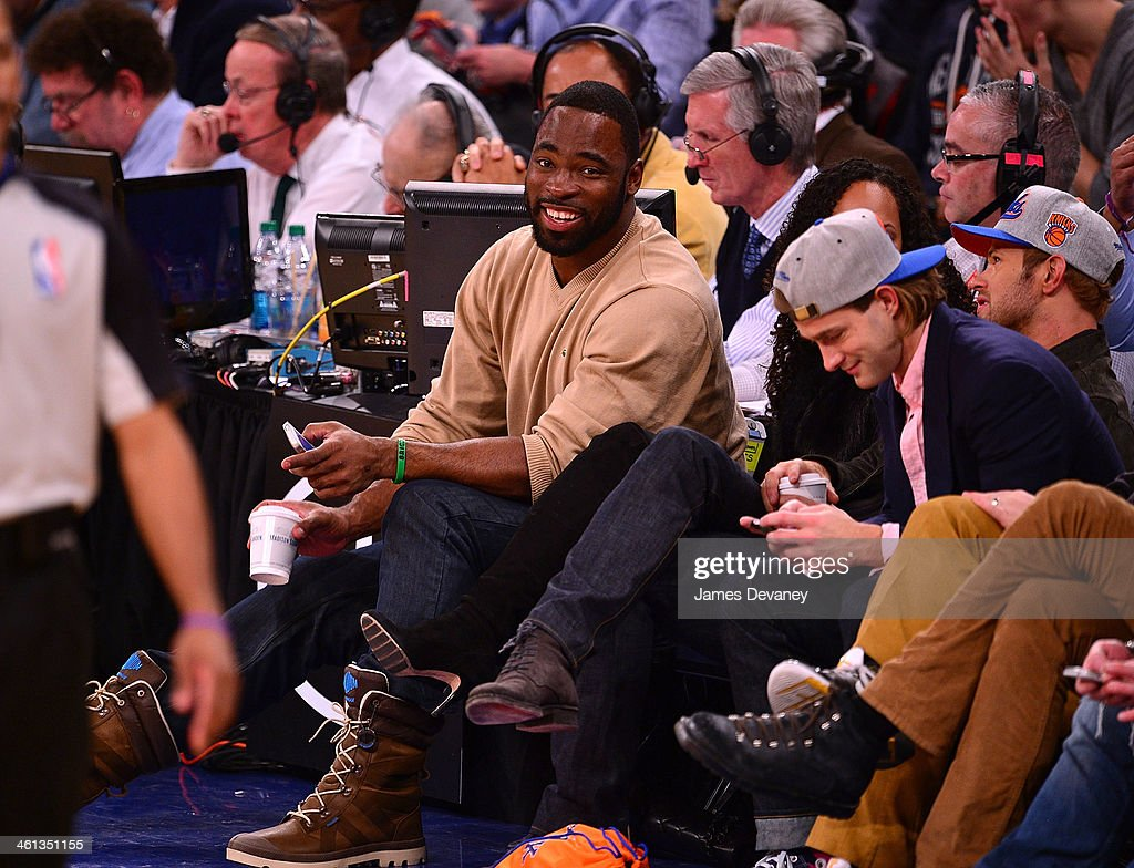 <a gi-track='captionPersonalityLinkClicked' href=/galleries/search?phrase=Justin+Tuck&family=editorial&specificpeople=748769 ng-click='$event.stopPropagation()'>Justin Tuck</a> attends the Detroit Pistons vs New York Knicks game at Madison Square Garden on January 7, 2014 in New York City.