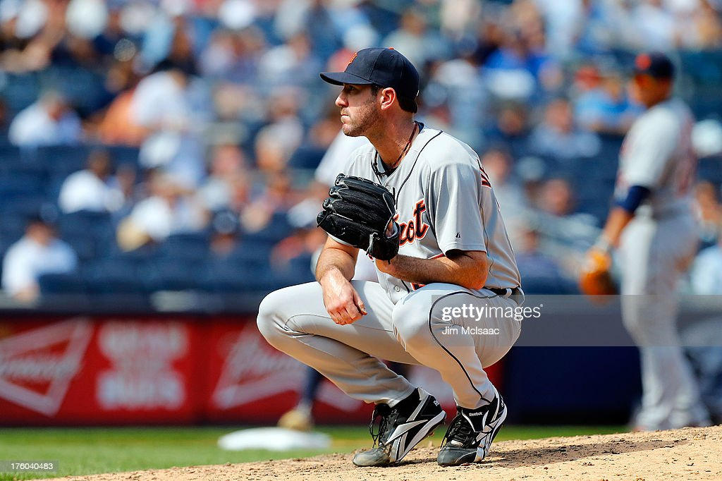 <a gi-track='captionPersonalityLinkClicked' href=/galleries/search?phrase=Justin+Verlander&family=editorial&specificpeople=556723 ng-click='$event.stopPropagation()'>Justin Verlander</a> #35 of the Detroit Tigers looks on after loading the base in the sixth inning against the New York Yankees at Yankee Stadium on August 11, 2013 in the Bronx borough of New York City.