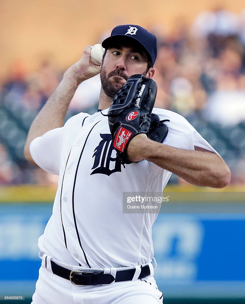 <a gi-track='captionPersonalityLinkClicked' href=/galleries/search?phrase=Justin+Verlander&family=editorial&specificpeople=556723 ng-click='$event.stopPropagation()'>Justin Verlander</a> #35 of the Detroit Tigers pitches against the Philadelphia Phillies during the second inning at Comerica Park on May 24, 2016 in Detroit, Michigan.