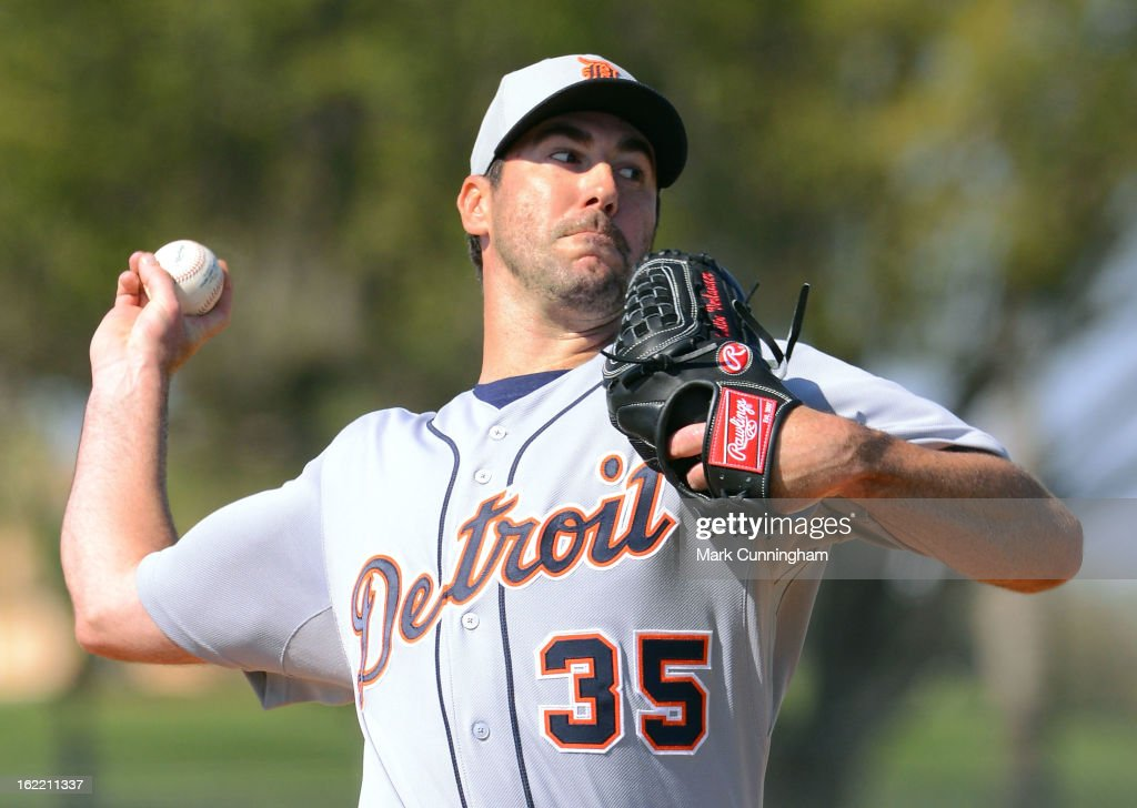 <a gi-track='captionPersonalityLinkClicked' href=/galleries/search?phrase=Justin+Verlander&family=editorial&specificpeople=556723 ng-click='$event.stopPropagation()'>Justin Verlander</a> #35 of the Detroit Tigers pitches during Spring Training workouts at the TigerTown Facility on February 20, 2013 in Lakeland, Florida.