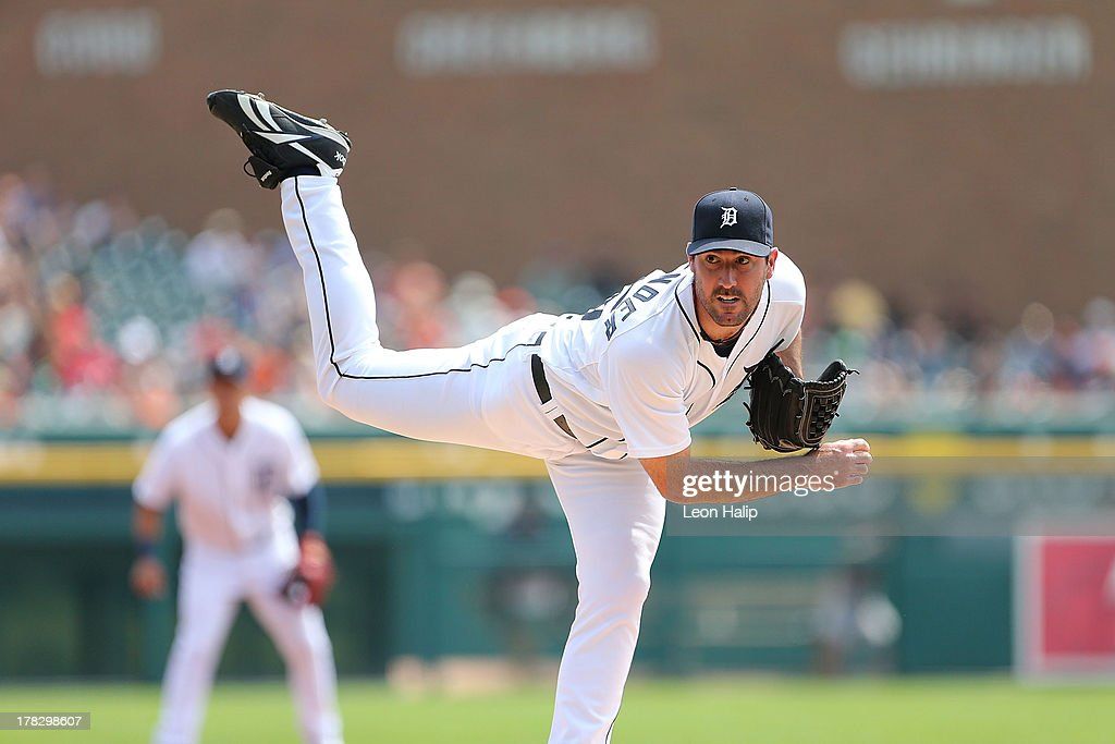 <a gi-track='captionPersonalityLinkClicked' href=/galleries/search?phrase=Justin+Verlander&family=editorial&specificpeople=556723 ng-click='$event.stopPropagation()'>Justin Verlander</a> #35 of the Detroit Tigers pitches in the fourth inning of the game against the Minnesota Twins at Comerica Park on August 21, 2013 in Detroit, Michigan. The Twins defeated the Tigers 7-6.