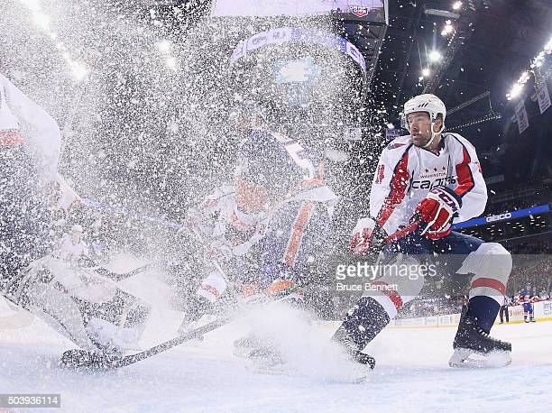 Justin Williams of the Washington Capitals skates against the New York Islanders at the Barclays Center on January 7 2016 in the Brooklyn borough of...