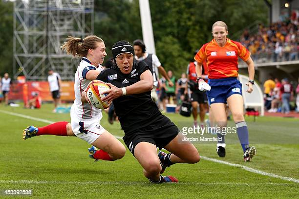 Justine Lavea of New Zealand touches down a try during the IRB Women's Rugby World Cup Pool B match between New Zealand and USA at the French Rugby...