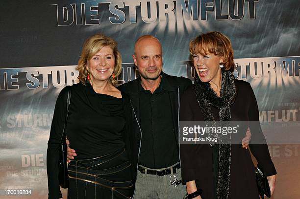 Jutta Speidel Christian Berkel and Gaby Dohm at The Premiere Of Rtl twoparter 'The Flood 'in Curio House in Hamburg 310106