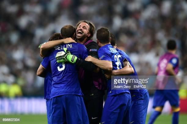 Juventus' Andrea Pirlo Giorgio Chiellini Marco Storari Stefano Sturaro and Simone Padoin celebrate their side's aggregate victory over Real Madrid