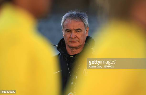 Juventus' coach Claudio Ranieri watches the training