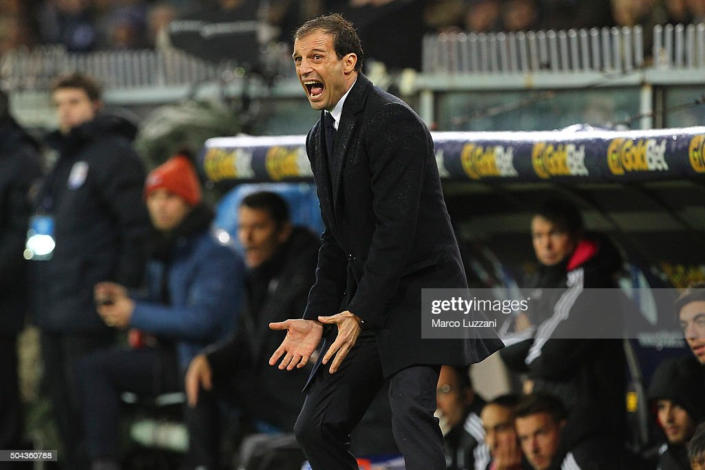 Juventus FC coach Massimiliano Allegri shouts to his players during the Serie A match between UC Sampdoria and Juventus FC at Stadio Luigi Ferraris on January 10, 2016 in Genoa, Italy.