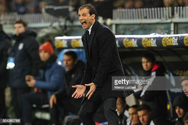 Juventus FC coach Massimiliano Allegri shouts to his players during the Serie A match between UC Sampdoria and Juventus FC at Stadio Luigi Ferraris...