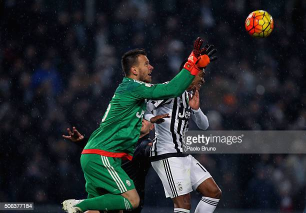 Juventus FC goalkeeper Norberto Murara Neto in action during the TIM Cup match between SS Lazio and Juventus FC at Stadio Olimpico on January 20 2015...