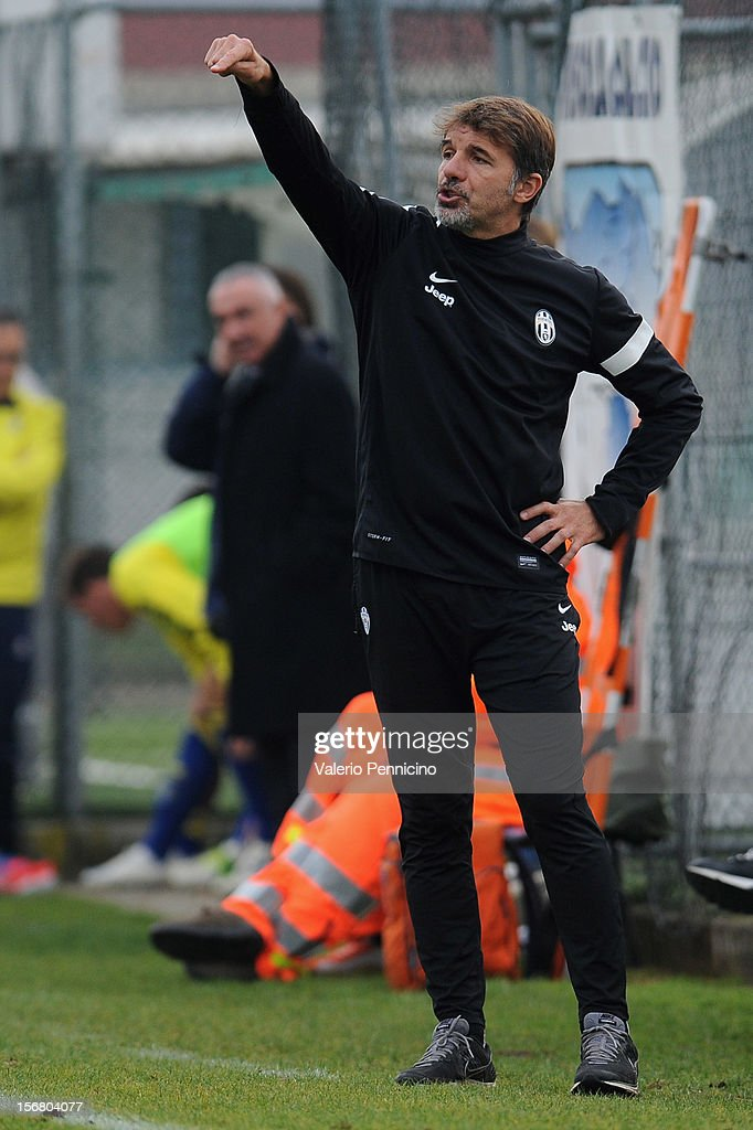 Juventus FC head coach Baroni issues instructions during the Juvenile match between Juventus FC and FC Parma at Juventus Center Vinovo on November 21, 2012 in Vinovo, Italy.