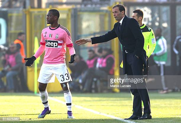 Juventus FC head coach Massimiliano Allegri gives instructions to his player Patrice Evra during the Serie A match between Atalanta BC and Juventus...