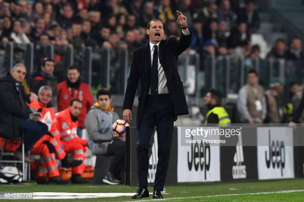 Juventus FC head coach Massimiliano Allegri shouts to his players during the Serie A match between Juventus FC and AC Milan at Juventus Stadium on...